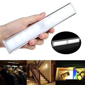 TAKUSAN LEDセンサーライト 室内 手元灯 10 LED 人感センサーライト 乾電池式 省エネ 超寿命 マグネット付き 階段 ・クロ|shop-frontier