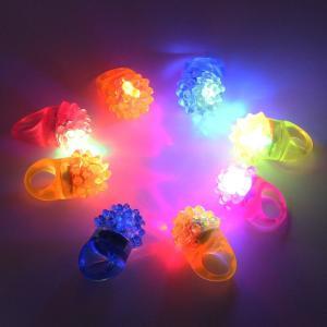 可愛い 光る指輪 光るおもちゃ ZILONG サンマーパーティー いちご LED フラッシュリング おもちゃ 24セット4色 ピカピカ 新年|shop-frontier