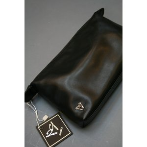 イタリアハンドメイドのレザーポーチGIBLI ・ギブリ バッグインバッグでお使いになられます。 shop-kinkodo