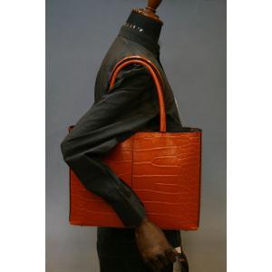 ミニトートバッグ牛革クロコダイル型押しA4ファイル収納可能、自立型、裏地迷彩柄 日本製(オレンジ) shop-kinkodo