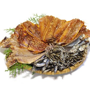 お年賀 ギフト 食べ物 ギフト 海鮮 食べ物 ギフト 5箱選べる干物詰め合せ いわし あじ タチウオ みりん干し等 ◆山下水産 干物5種◆|shopamakusa