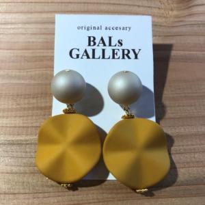 【BALs GALLERY】 ヒラヒラ ピアス '- イエロー 【メール便対応】|shopfreddo