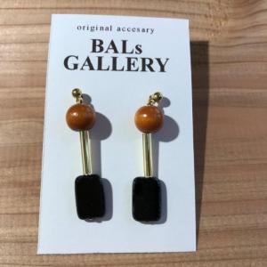 【BALs GALLERY】 スクエア ピアス '- ブラック 【メール便対応】|shopfreddo