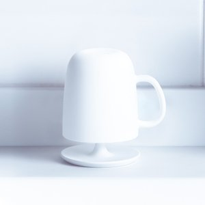商品詳細/ 場所を取らないコンパクトな取っ手付きコップ。水切れ良く、衛生的なスタンドセットです。底面...