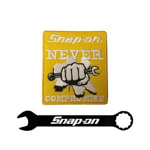 Snap-on(スナップオン)ワッペン「NEVER COMPROMISE FIST PATCH - YELLOW」 shouei-st