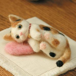 クラフト フェルト手芸 フェルト羊毛キット ハマナカ 羊毛フェルトでうちのこをつくろう 三毛猫|shugale1