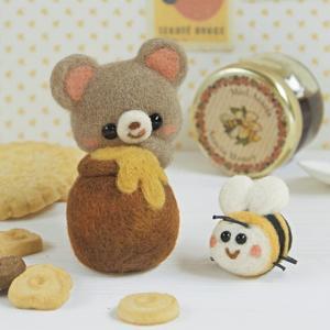 羊毛フェルトキット フェルト羊毛キット 【森のくまとみつばち】|shugeiya