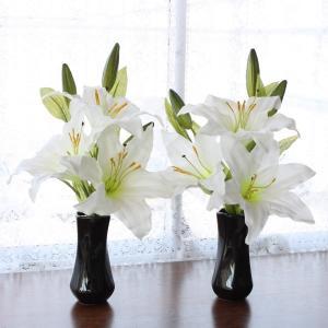CT触媒 カサブランカの小花束一対 (花器付きセット シルクフラワー 造花 お彼岸 お盆 お仏壇 仏花 silkflower