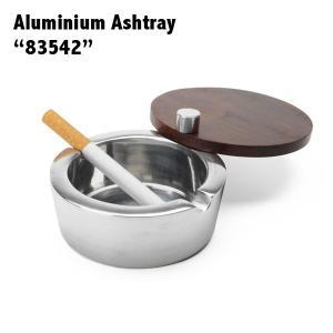 スライド式のフタが付いたアルミ製灰皿。 フタを閉めれば灰が飛ぶことがなく、においも軽減できます。 シ...