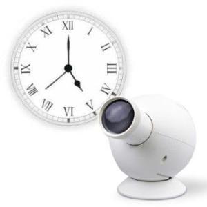 LEDライトを使用したプロジェクション式の時計。 側面のON/OFFスイッチで、映写しない時はライト...