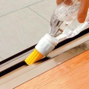 即納 ペットボトルブラシ ブラシ+ペットボトル=水差しブラシ 掃除 窓のサン ベランダ  RCP|skipskip