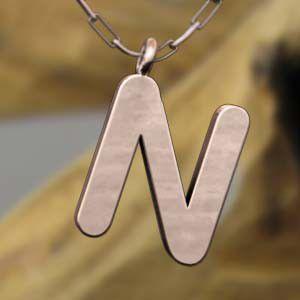 (名前 ネーム イニシャル) ネックレス 大文字のN  k10ピンクゴールド skybell