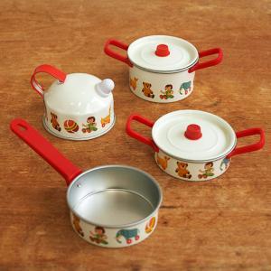ドイツからやってきた、『SchopperKG/ショッパーKG』社のおままごと鍋セットおもちゃ。 こち...