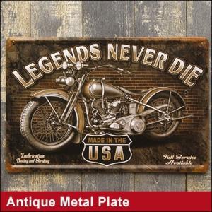 アンティーク風な加工のブリキ看板はとってもお洒落なバイクのイラスト。 メタルプレートでしっかりしてい...