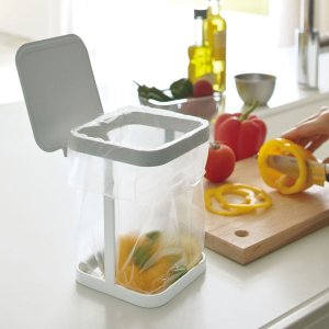 調理中に出るゴミをその場でポイ! 大きな開口部でゴミが捨てやすい!便利な卓上ゴミ箱です。 スーパーな...