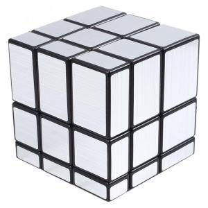 対象年齢 :3才以上 ブロックの大きさが違うため、回すたびに形が変わる新しいスタイルのルービックパズ...
