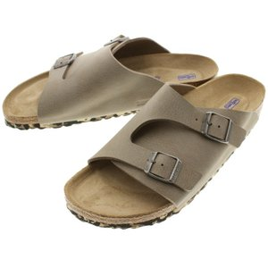 【商品説明】 足を広範囲でカバーした安定感のある履き心地が特徴の定番モデル。 今作はアッパーに柔らか...