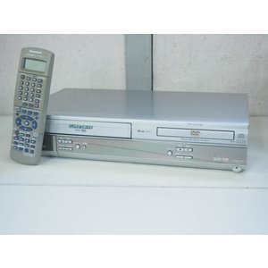 #【中古】Panasonicパナソニック DVDプレーヤー一体型ハイファイビデオ NV-VP30 ビデオデッキ