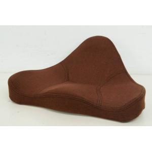 ●商品情報 ・馬具職人がてがける椅子用クッション「馬具マット」がグレードアップして登場! ・ 椅子用...