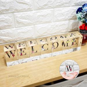 クリスタル イニシャルキューブ CB558-ic-f 結婚祝い 開店祝い 新築祝い オリジナル ギフト プレゼント アルファベット 名入れ おしゃれ オブジェ インテリア|sophia-crystal