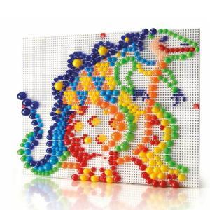 ●ファンタカラーは、ボードにカラフルなぺグをさして自由に模様を描く 遊び道具です。  大小、赤、黄、...