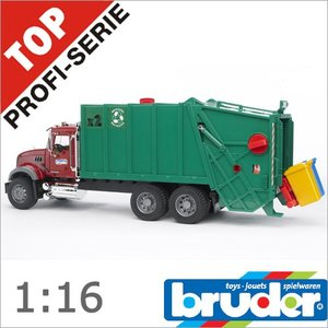 Bruder(ブルーダー)社 ProSeries(プロシリーズ) 02812 MACK ゴミ収集車 1/16 soprano