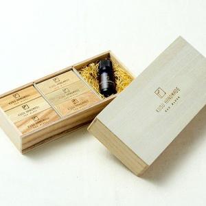 楠の端材で作った衣類の防虫アロマブロック エコブロック 12個 カンフルオイル10ml付き 桐箱入り soranew