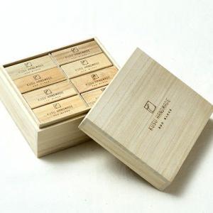 楠の端材で作った防虫アロマブロック エコブロック 24個 桐箱入り ギフト soranew
