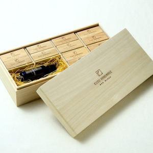 楠の端材で作った防虫アロマブロック エコブロック36個 カンフルオイル30ml付き 桐箱入り soranew