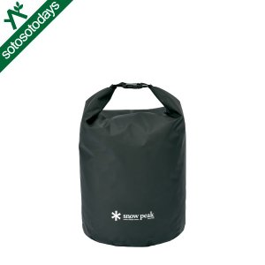 PVC ターポリン素材を使用した大容量のスタッフバッグ。 防水性・対候性に優れたPVC ターポリン素...