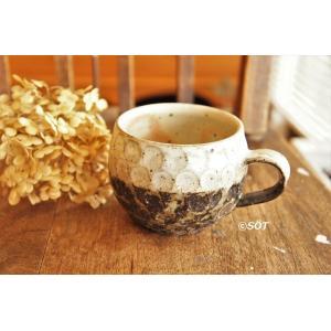 陶器 マグカップ 丸 鱗ウロコ 白黒 かけわけ 薮本寛之作|sotsot