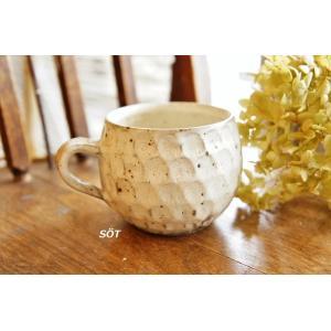 陶器 マグカップ 丸 鱗ウロコ 白 薮本寛之作|sotsot