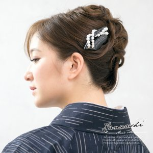 黒留袖、色留袖、訪問着などの着物スタイルにおすすめな、バチ型簪   ■色 黒  ■取付 簪(かんざし...