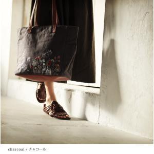北欧風の花をやさしく咲かせた、多収納トートバッグ レディース 鞄 キャンバス 帆布 肩掛け 手提げ A4 通勤 通学 刺繍 花柄 フラワー soulberryオリジナル|soulberry|09