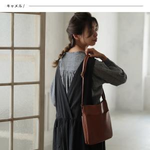 大人にすっきり映えるショルダーバッグ レディース 鞄 肩掛け 斜め掛け ポシェット 手提げ フェイクレザー 合皮 多収納 シンプル soulberryオリジナル|soulberry|02