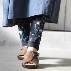 裾に野花を咲かせた刺繍レギンス レディース スパッツ 10分丈 十分丈 ボトムス //返品 交換不可|soulberry