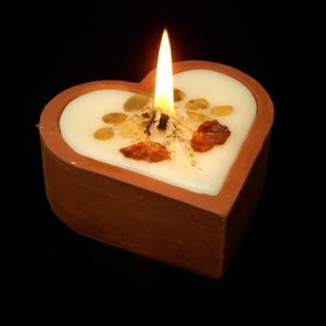 【ゆうメール 送料無料】ジャスミンの香り【癒しのアロマ☆ハート型キャンドル】美麗な押し花が仄かに浮かぶ♪ディスプレイにも最適auroshikha オウ|soulmate-lotus