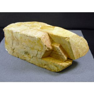 Potassium feldsparカリ長石(バベノ式双晶)blapiz-0952|specimen-lapiz