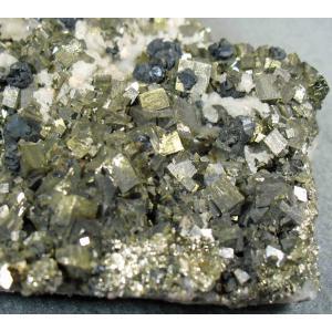 PYRITE(黄鉄鉱・閃亜鉛鉱)青森県尾太鉱山blapiz-1160 specimen-lapiz
