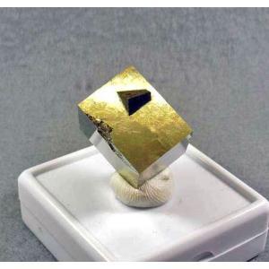 パイライト(黄鉄鉱)スペイン産3522 specimen-lapiz