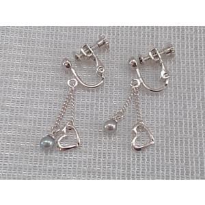 ツジモト真珠のイヤリング あこや本真珠 スィングハート ベビーパール 銀色メッキ 黒真珠|spicapearl