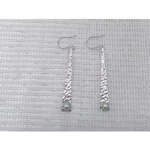 ツジモト真珠の ベビーパール ピアス 三角形デザイン あこや本真珠 K14WG トライアングル 黒  3.5mm|spicapearl