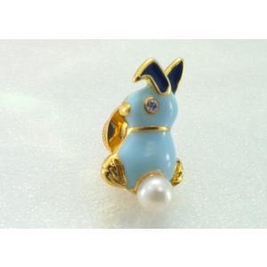 ツジモト真珠のピンブローチ プレーボーイ風 あこや本真珠 タックブローチ うさぎ 水色|spicapearl