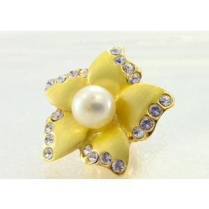 ツジモト真珠のピンブローチ 花 あこや本真珠 タックブローチ  イエローフラワー|spicapearl