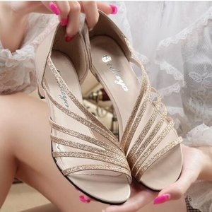 レディース サンダル ローヒール トングサンダル ストラップ ビーチサンダル 美足 歩きやすい 結婚式 二次会 お呼ばれ|spillhope0601
