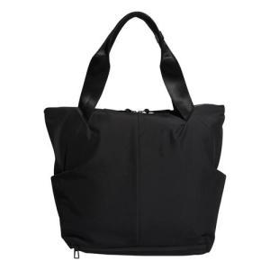通気性に優れたチームバッグで、トレーニングギアをいつでも使えるようにドライにキープ。貴重品用のジップ...