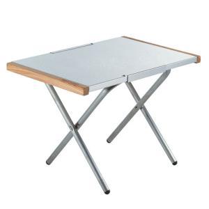 熱・キズ・汚れに強いステンレストップのサイドテーブル。熱したダッチオーブンを乗せても大丈夫なほど熱に...