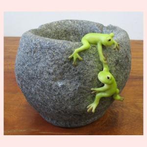 レジン製カエルのプランター置物/2匹 sshana
