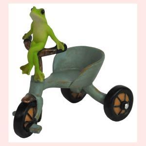 レジン製カエルのミニオブジェ(三輪車)|sshana
