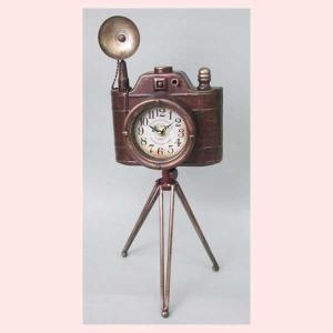 レトロ調なカメラデザインの置時計|sshana